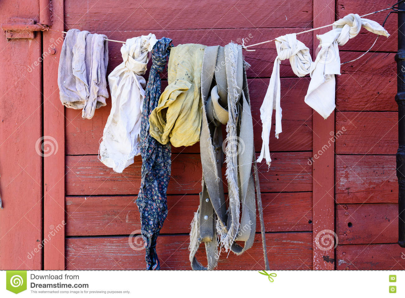 Old linen and rags dry