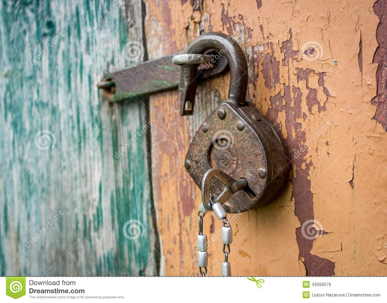Old lock stock photo image 43556579 - How to open chain lock ...