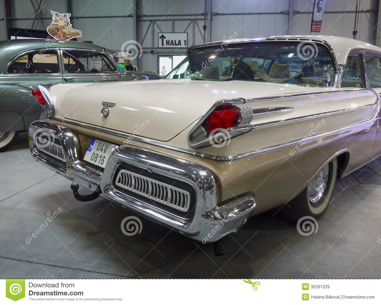 Old Luxury Americas Car Motor Show Editorial Stock Image Image 35291229