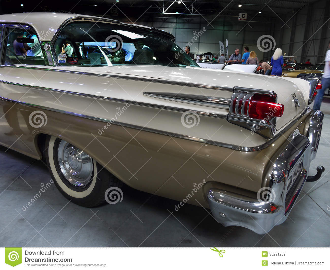 Old luxury americas car motor show editorial stock image image old luxury americas car motor show sciox Image collections