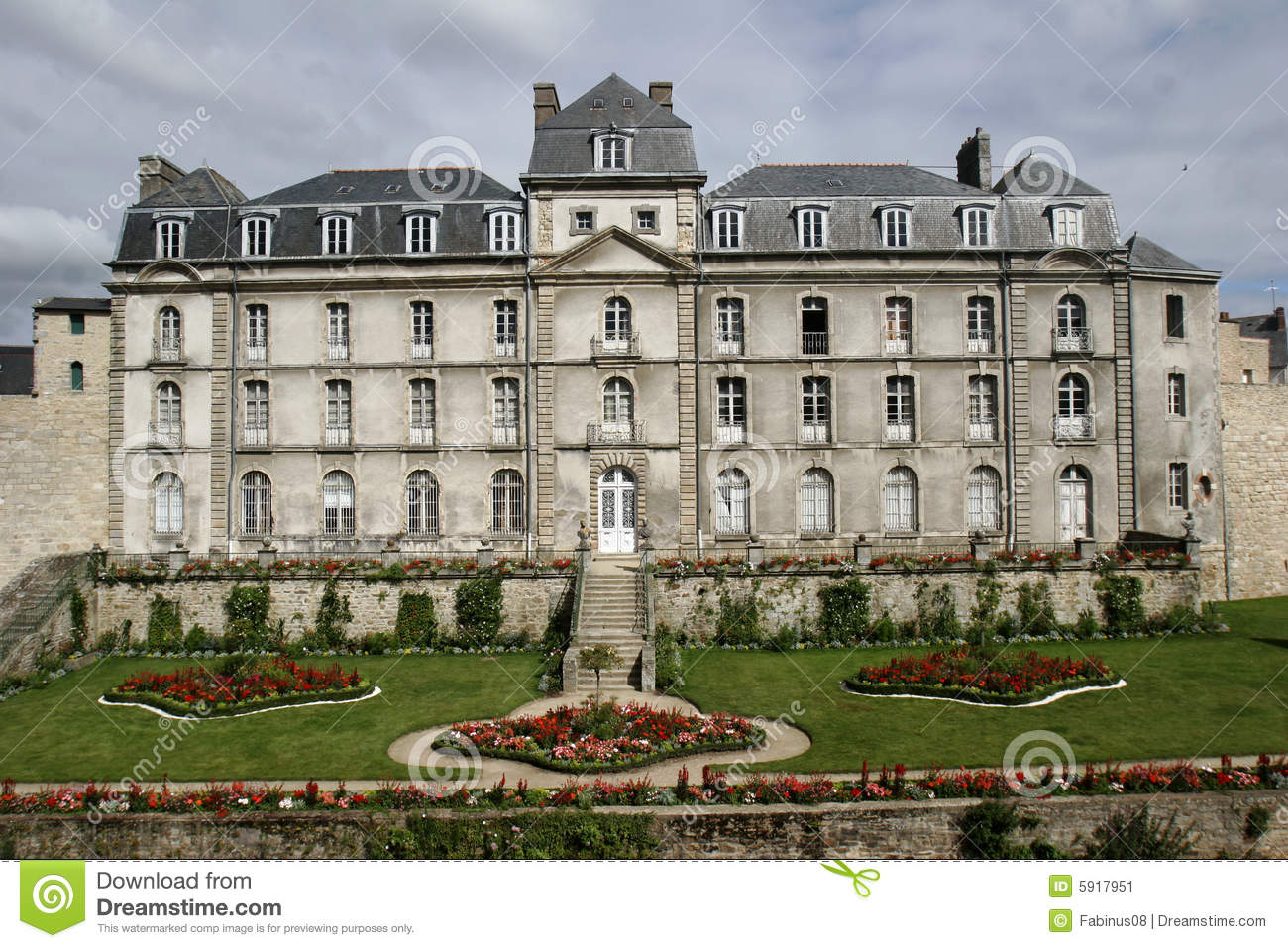 Stock image old luxury french house image 5917951 for Luxury classic house