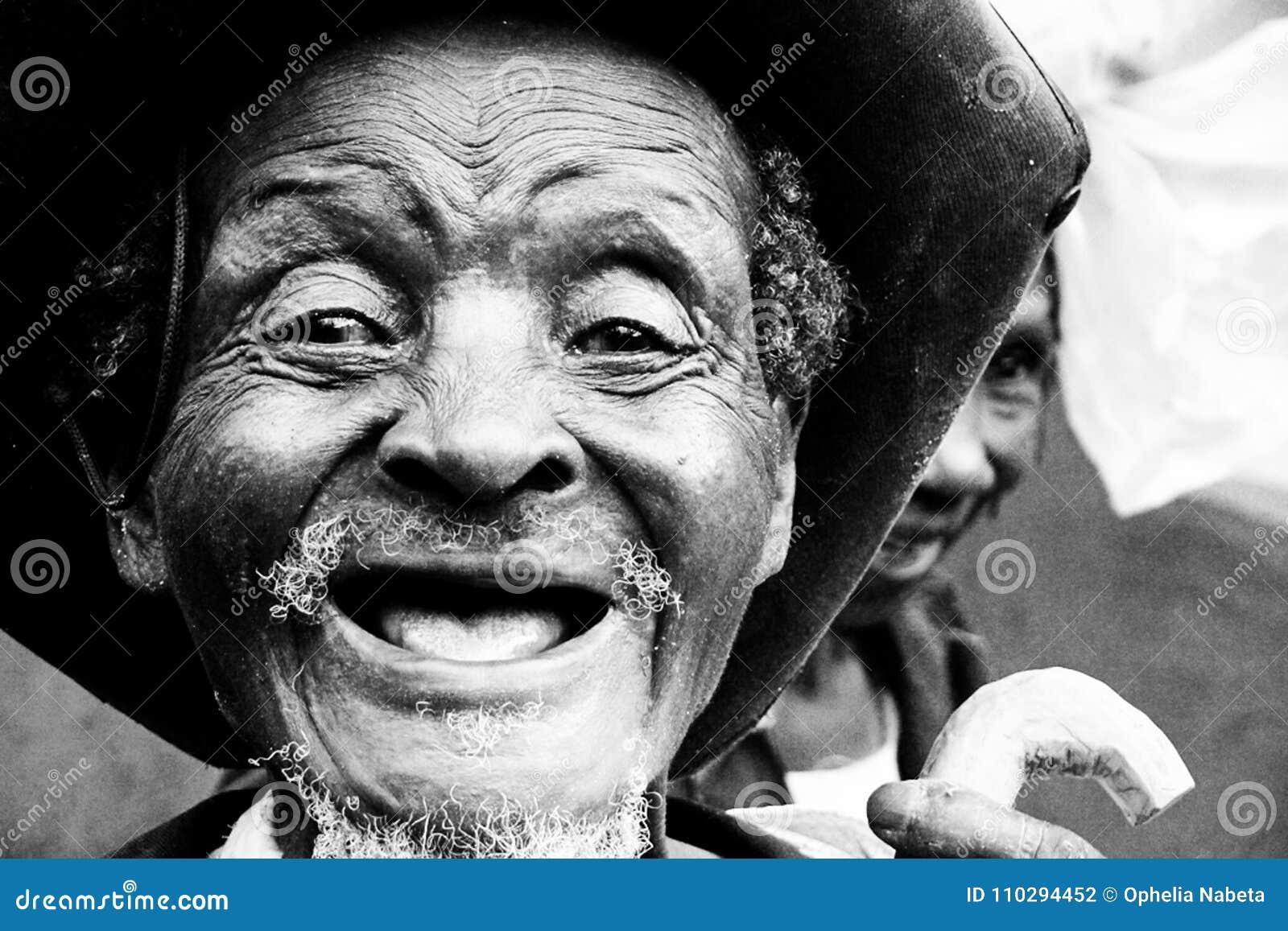 No teeth old man