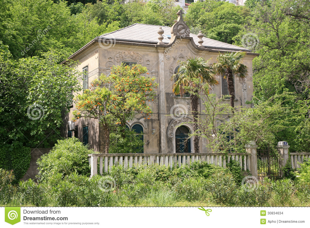 Old mediterranean house stock photo image of house green for Split mediterranean house