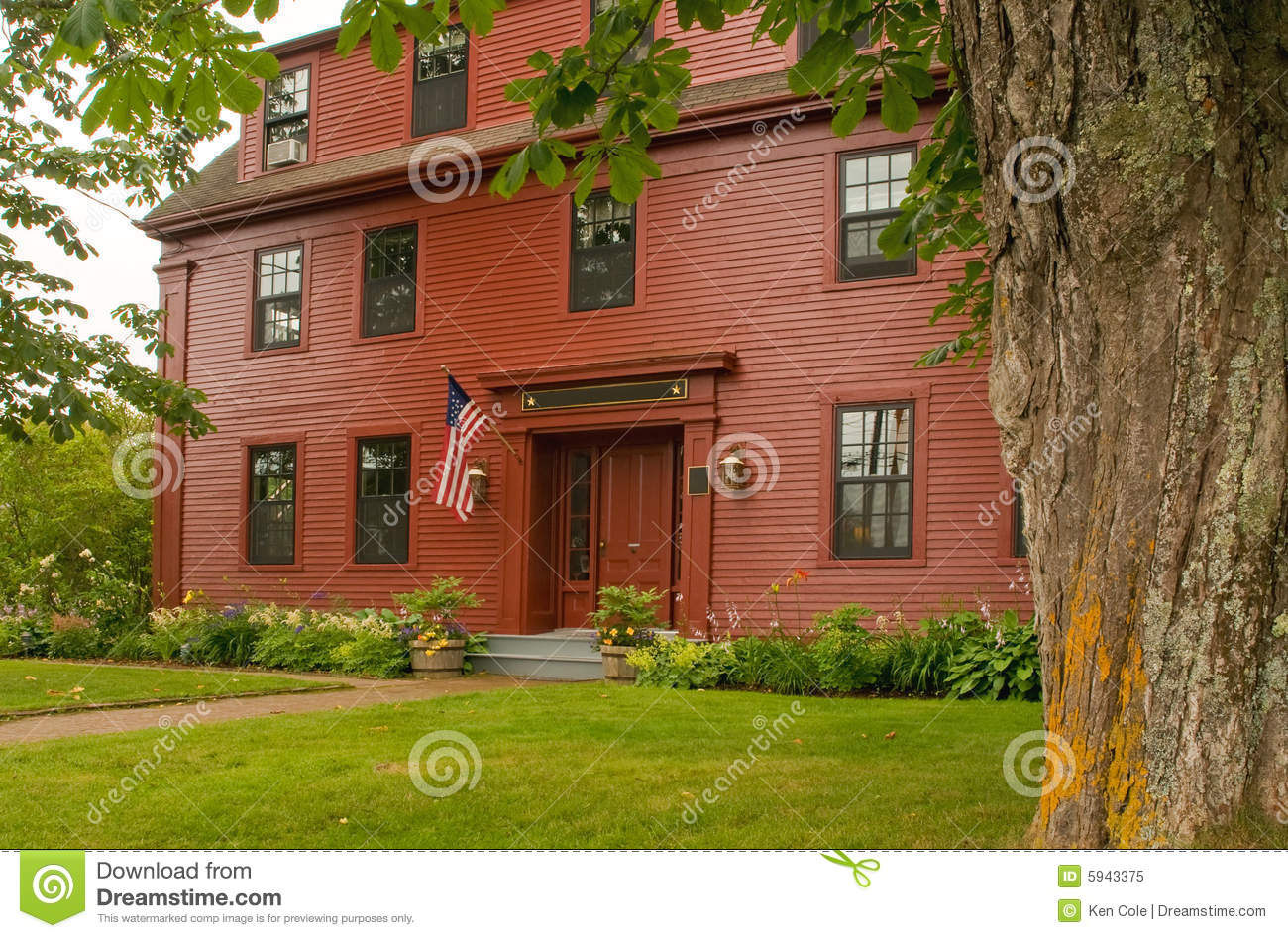 Old new england colonial house stock image image 5943375 for New england colonial style