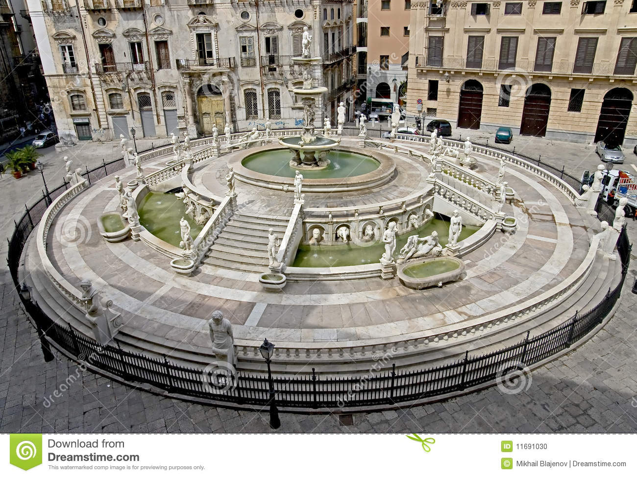 Old palermo 4 stock photo image of fountain travel for Stock mobili palermo