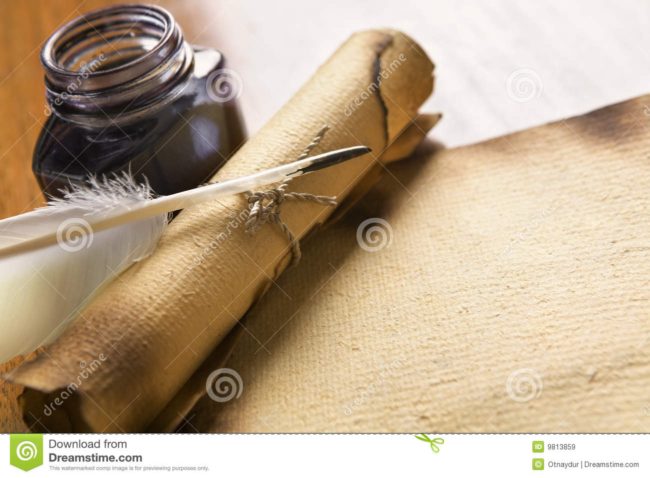 Old paper scroll and quill on wooden table royalty free for Table th no scroll