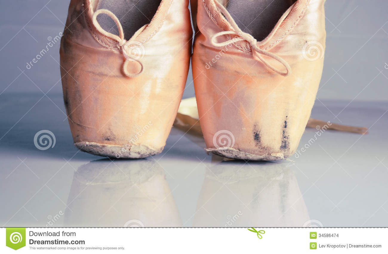 old pink ballet pointe shoes stock images image 34586474 ballet shoes clip art outline ballet shoes clip art with numbers