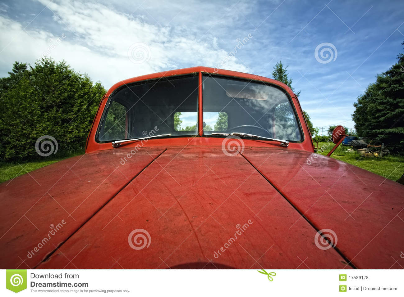 Old Red Antique Junker Car Stock Photo - Image of metal, body: 17589178
