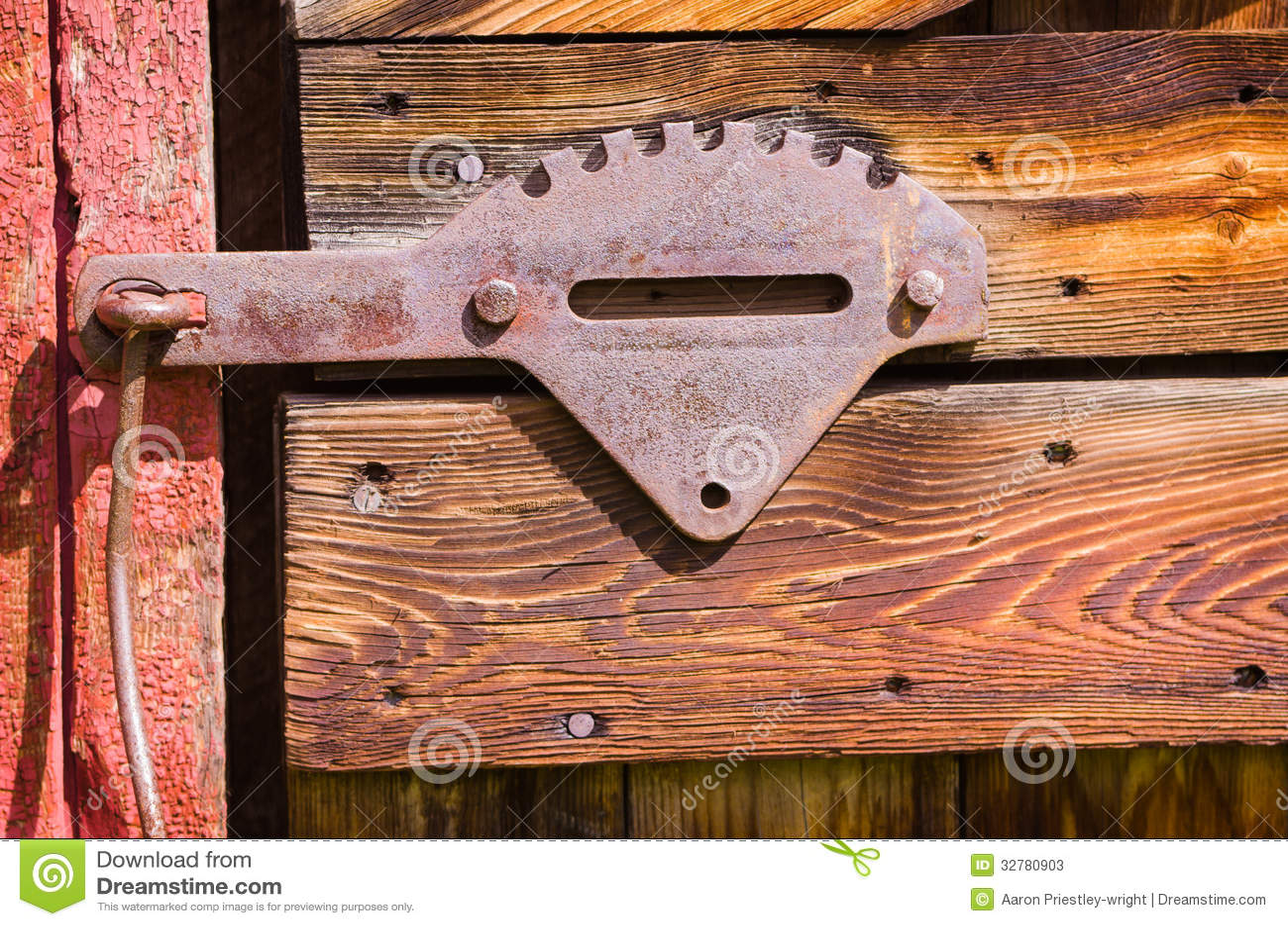 Old Red Barn Steel Door Latch Stock Photos Image 32780903