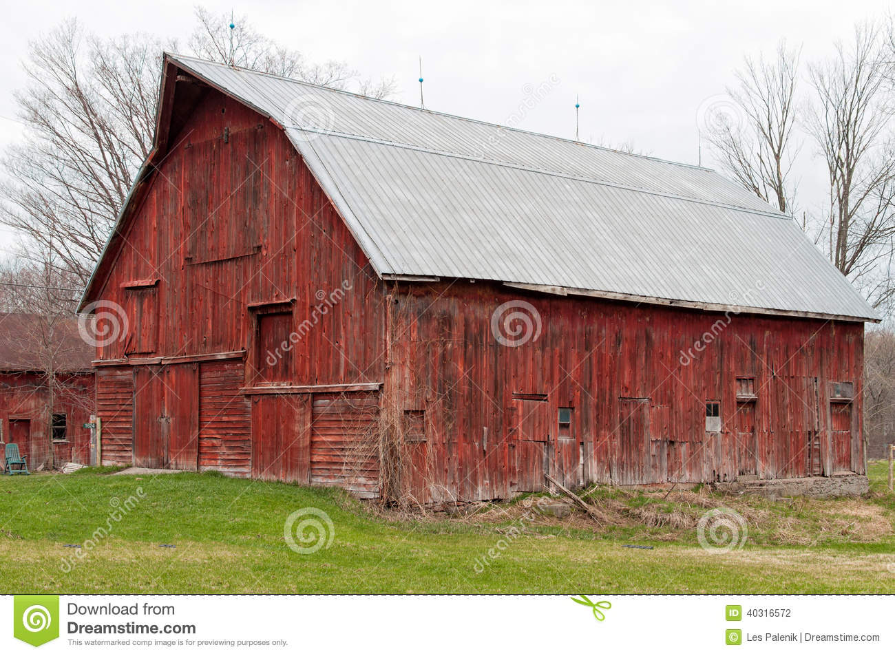 Old Red Barn Stock Photo Image 40316572