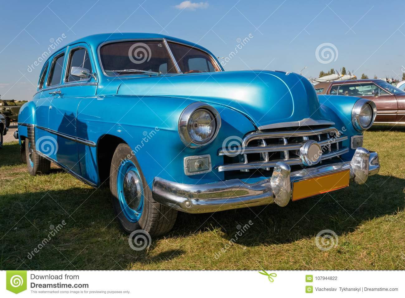 Vintage Car Staying At Sunset. Stock Photo - Image of blue, journey ...