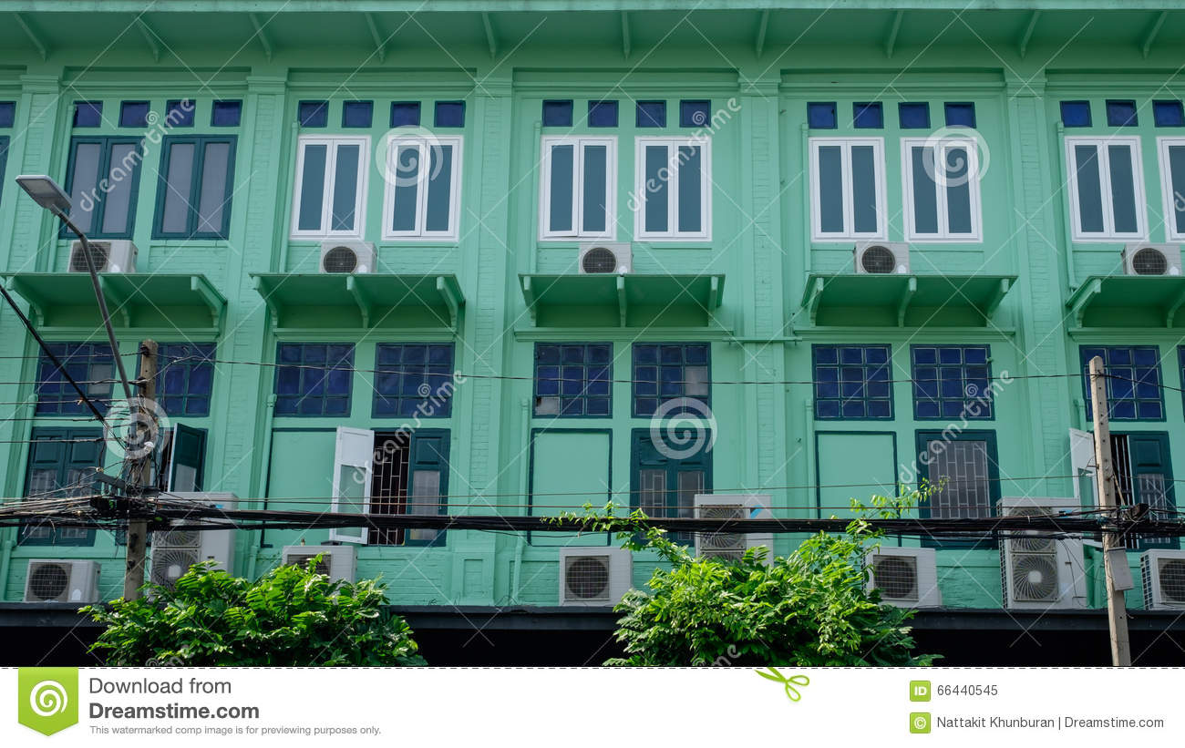 Old row house near street town in bangkok stock photo for Classic house green street
