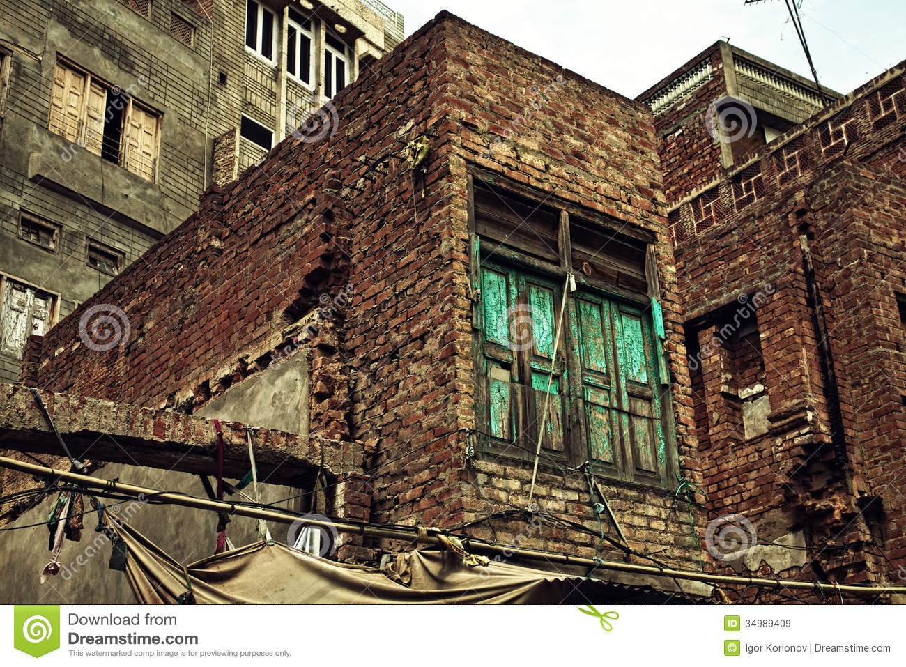 Old Ruined Brick Apartment Building Royalty Free Stock Images ...