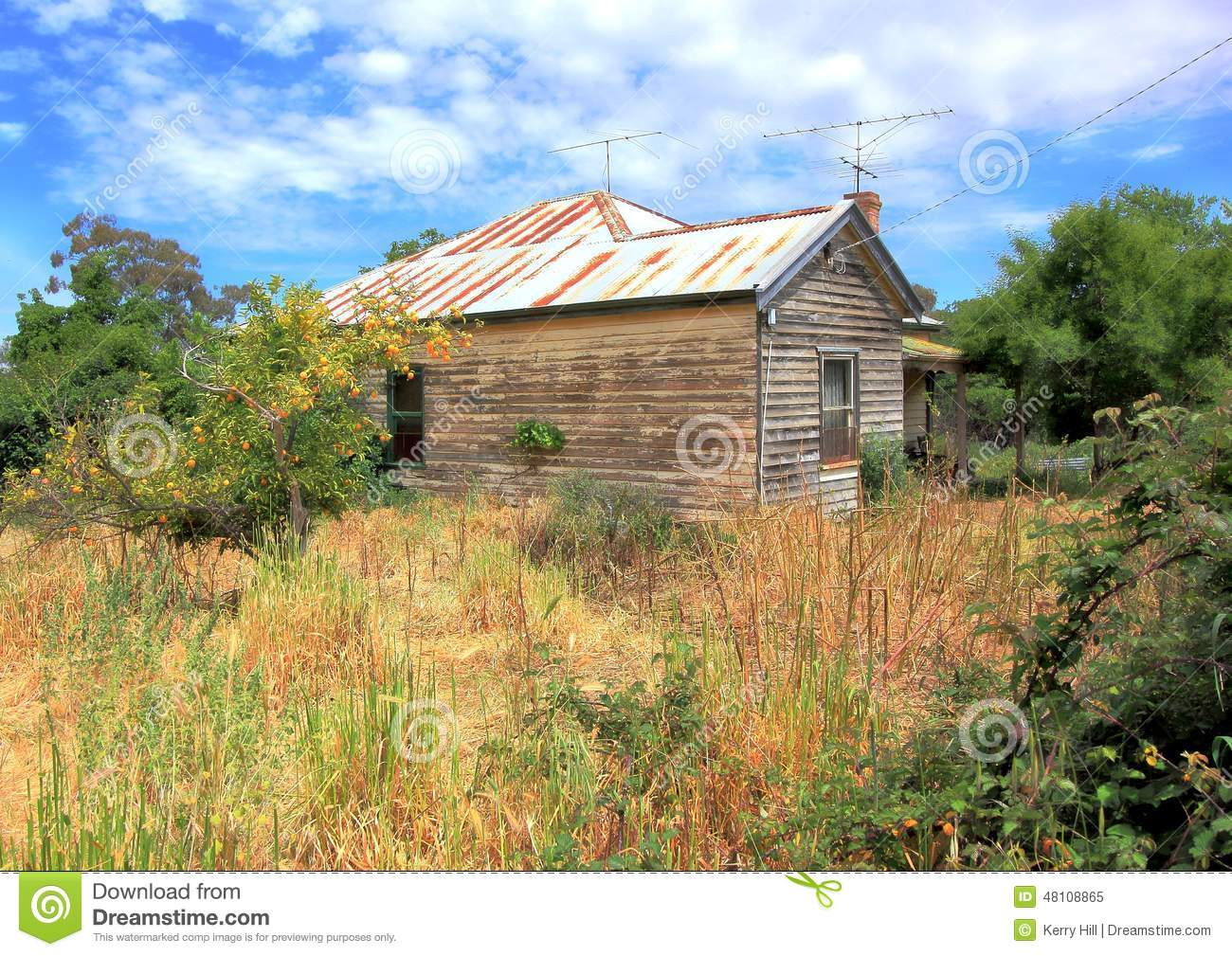 Old Rundown Country Home In Country Australia Stock Photo - Image: 48108865