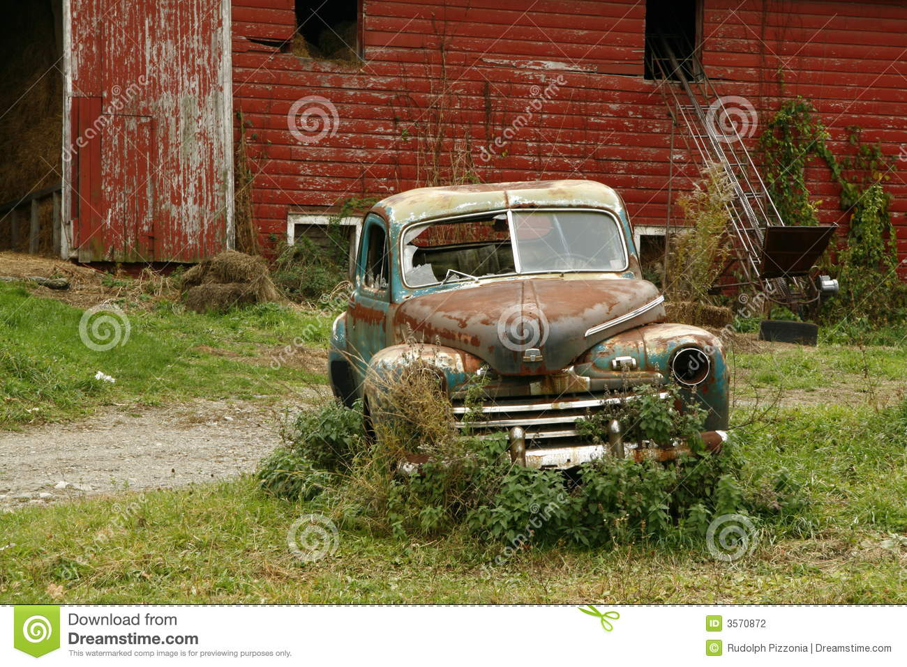 Old Rusted Car Amp Barn Stock Photography Image 3570872