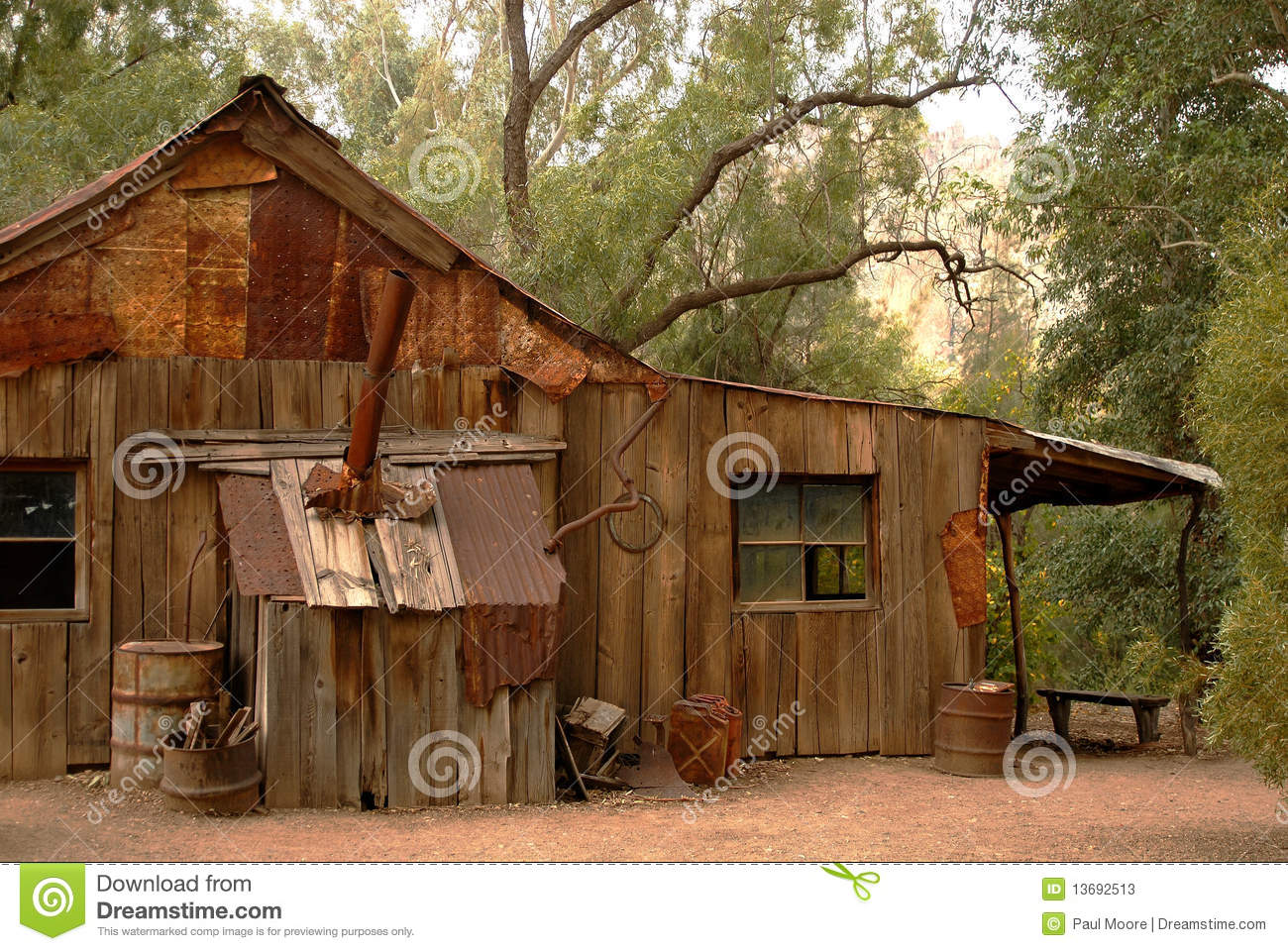 Old rustic cabin stock image image of green rural life for Rustic lodge