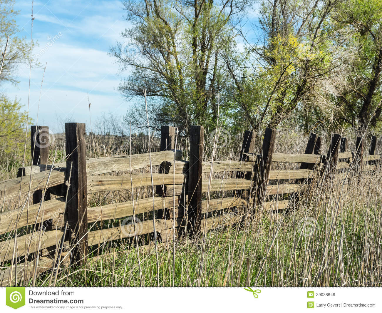 Old rustic wooden fence stock image image of farmland 39038649 - Rustic wood fences a pastoral atmosphere ...