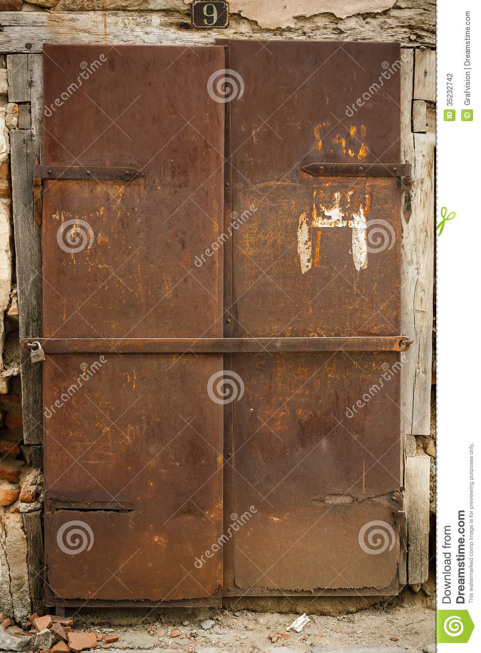 Rusty Door old rusty metal door stock photography - image: 35232742