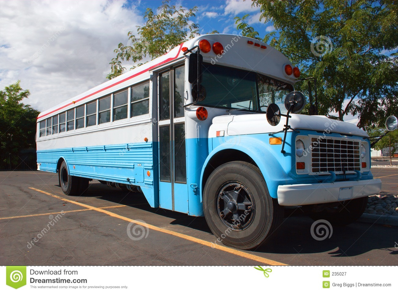 Old School Bus Royalty Free Stock Photography - Image: 235027
