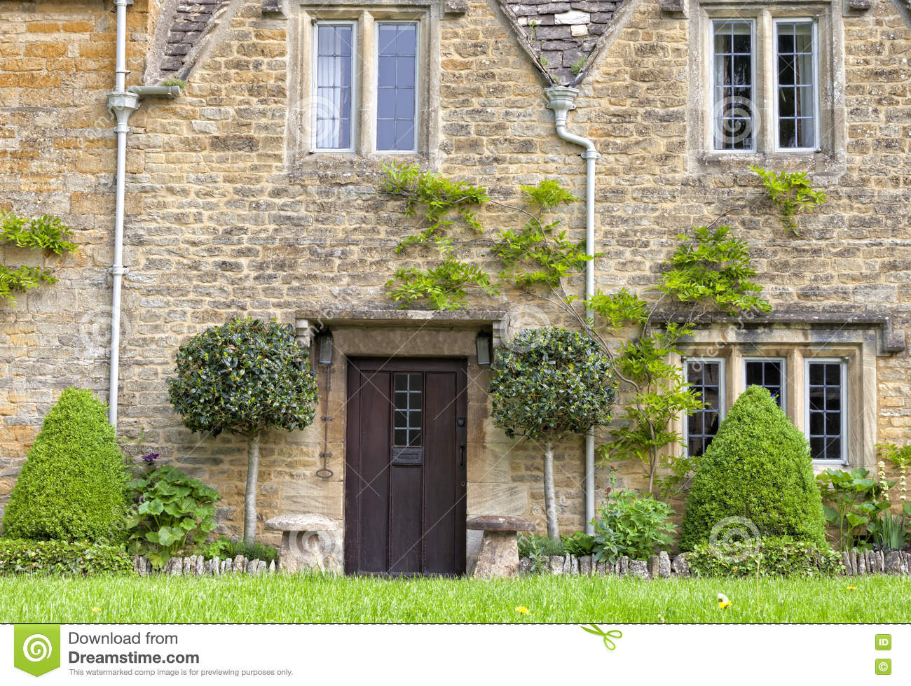 Old Stone Cottage In English Village With Front Garden Stock Photo Image Of Charming Leaf 78998434