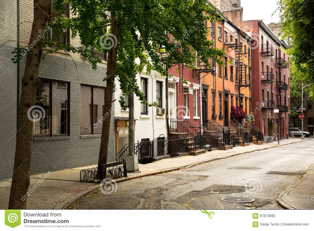 Old street in greenwitch village new york stock photo for Classic house green street