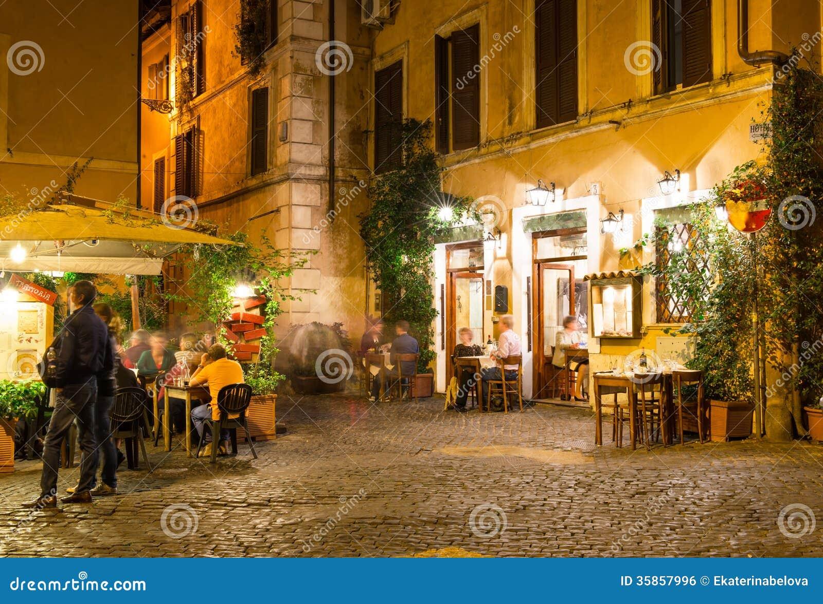 Italian House Plans Old Street In Trastevere In Rome Royalty Free Stock Image