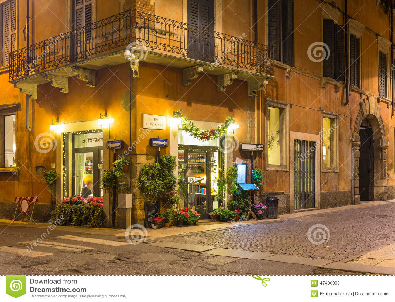 Old Street In Verona At Night Stock Image - Image: 47406303