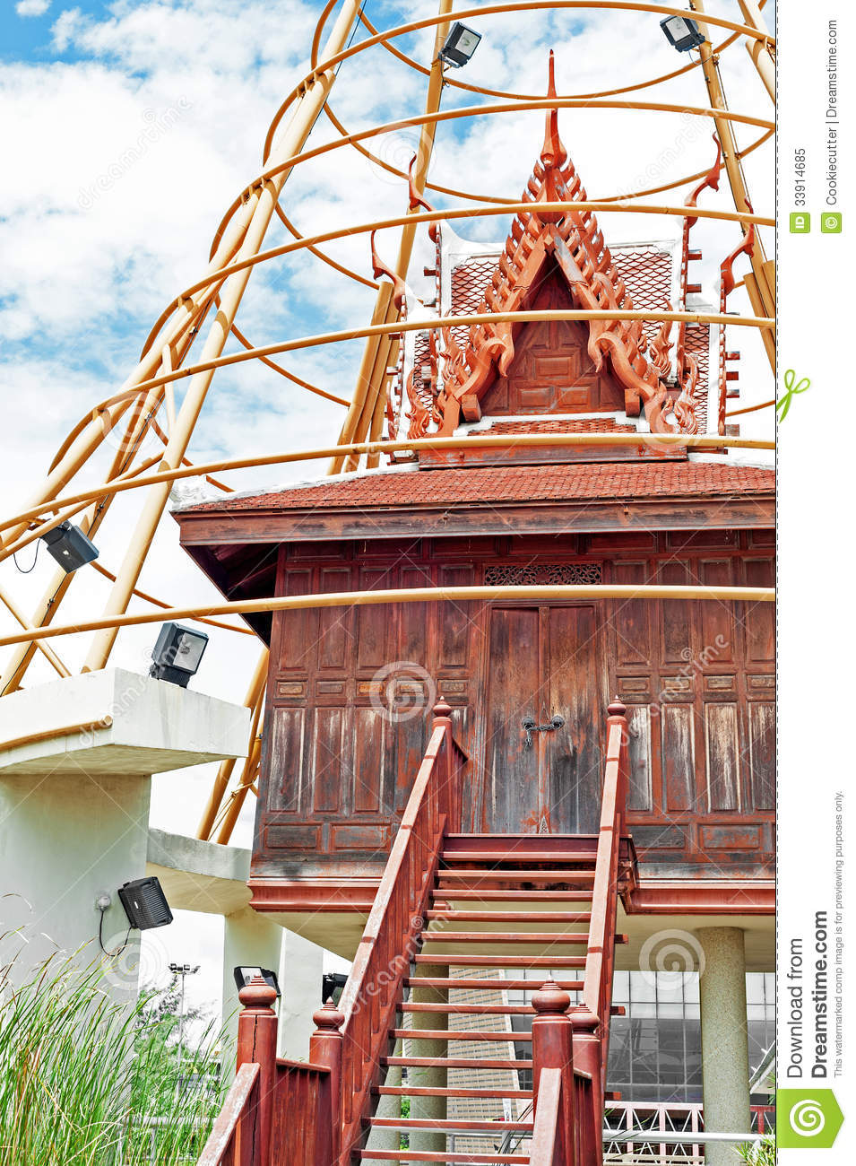 Old thai house royalty free stock photo image 33914685 for Thai classic house