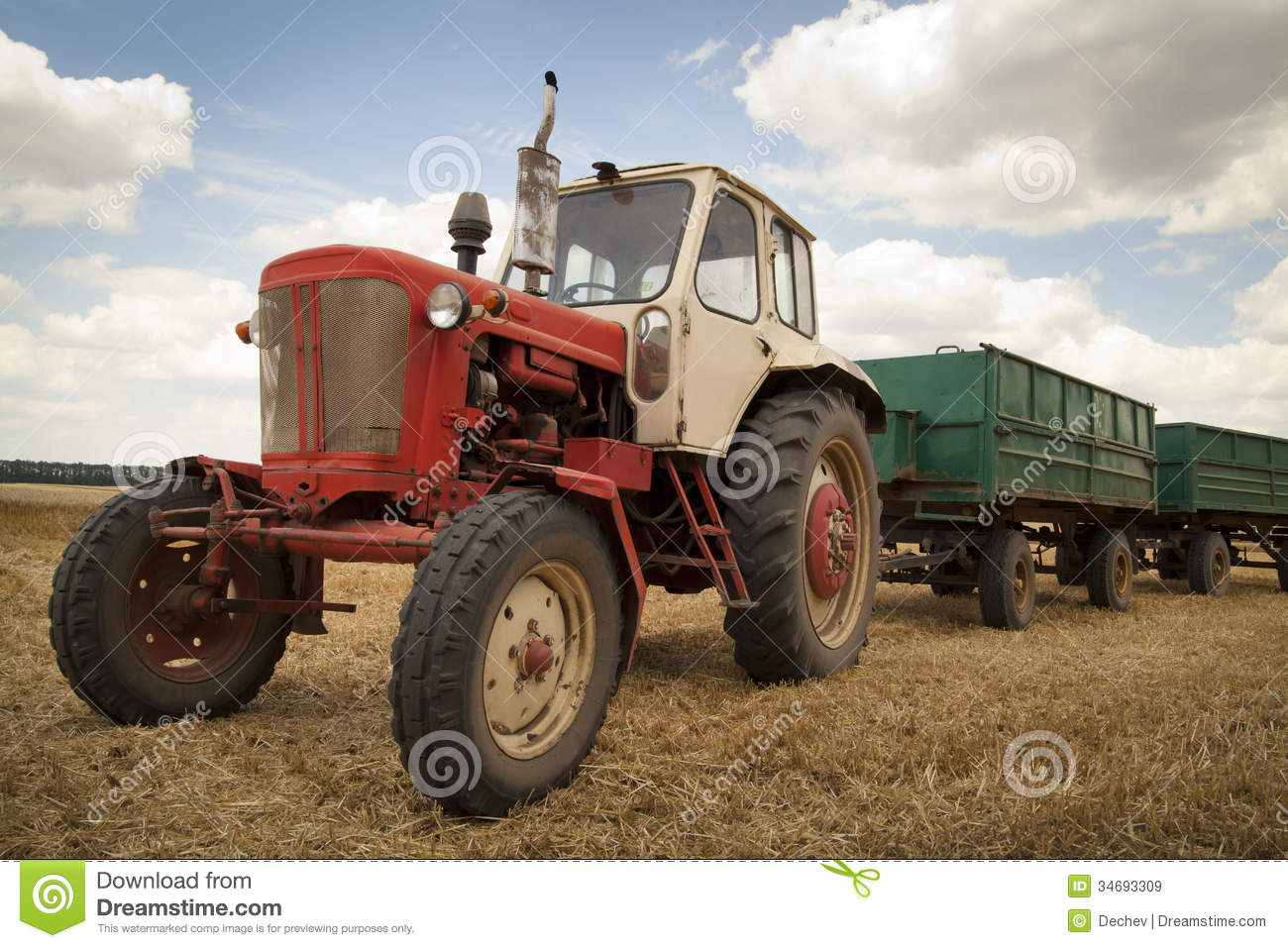 Old Tractor In A Field. Stock Photo - Image: 44088582