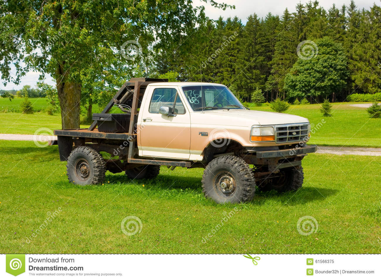 An Old Truck For Sale In Canada Editorial Image - Image of equipped ...