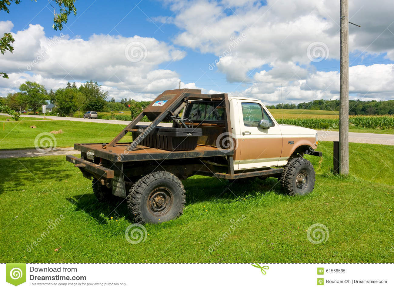 An Old Truck For Sale In Canada Editorial Image - Image of rust ...