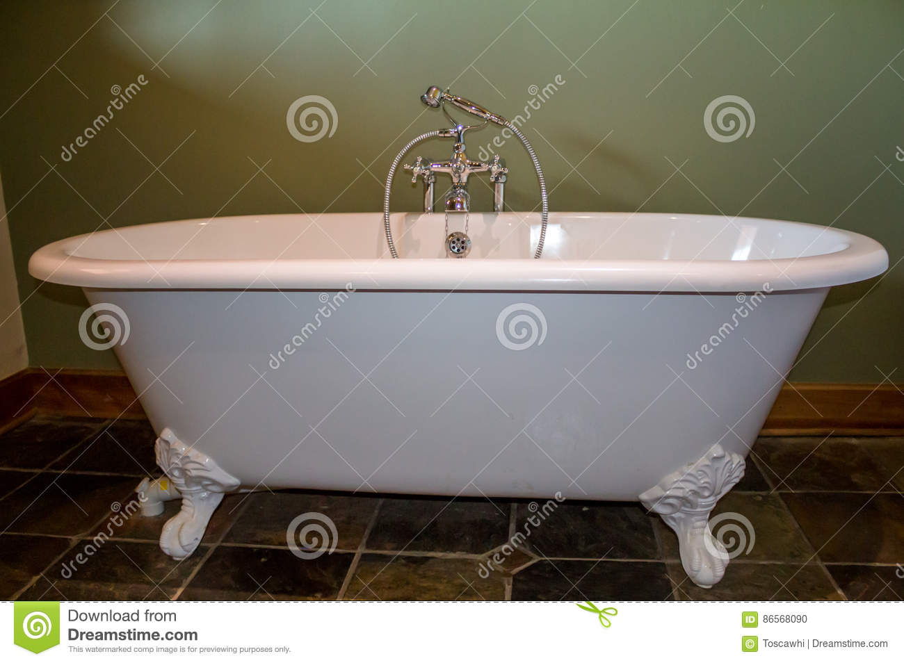 Old Type Footed Bath Tub In Olive Green Bathroom Stock Photo - Image ...