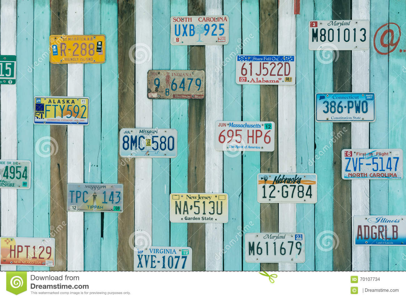Old US Car Registration Plate On Wall Editorial Stock Image - Image ...