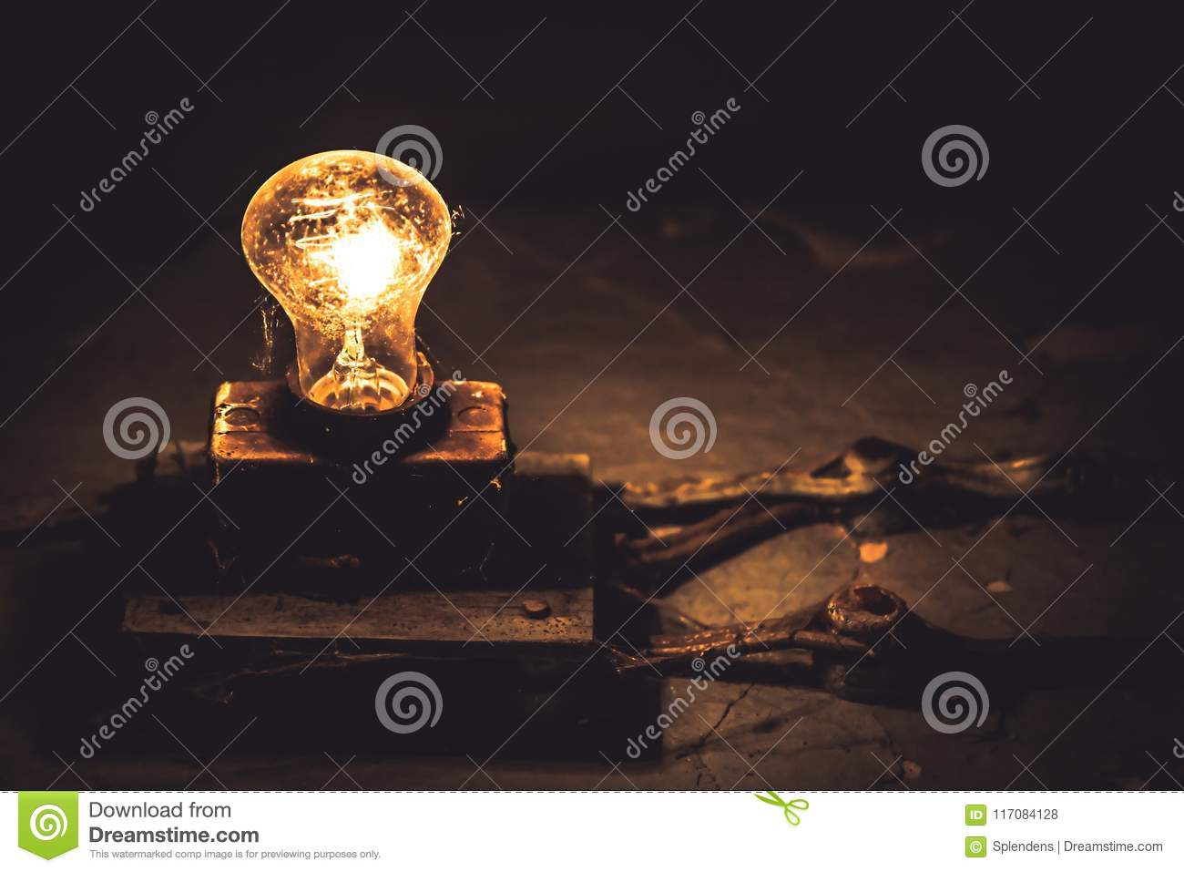 Old vintage light bulb web fade out dark copy space concept old idea power saving technology