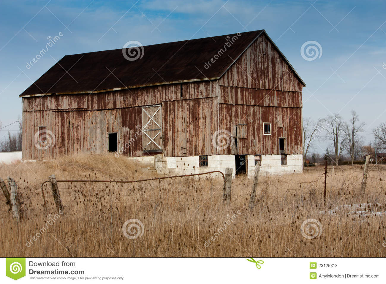 Old weathered bank barn royalty free stock photos image for Bank barn plans