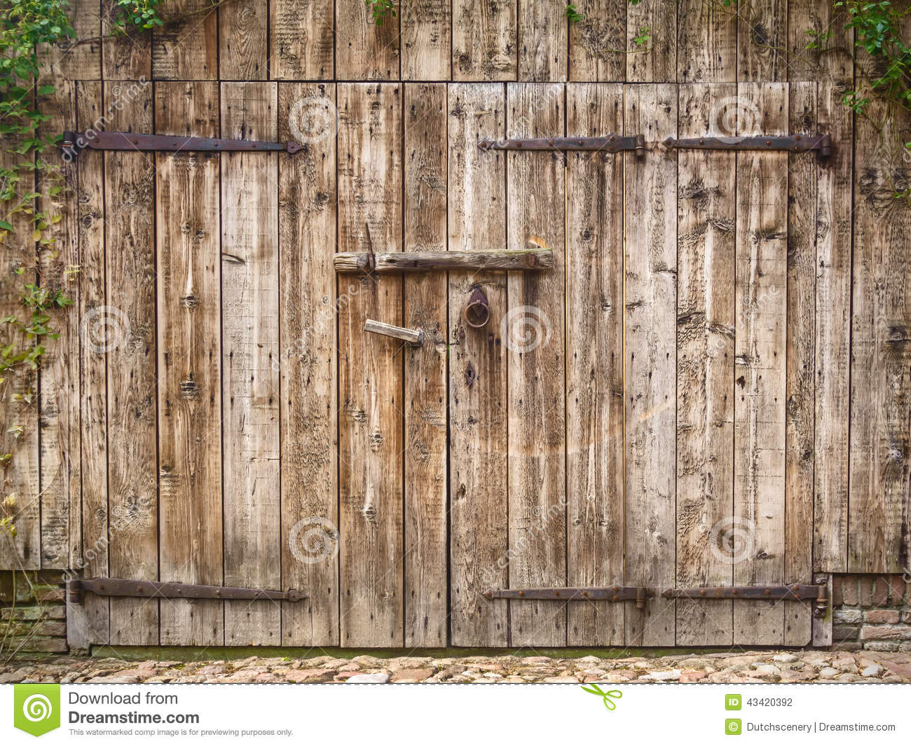 old weathered barn door stock photo image of lock countryside 43420392. Black Bedroom Furniture Sets. Home Design Ideas