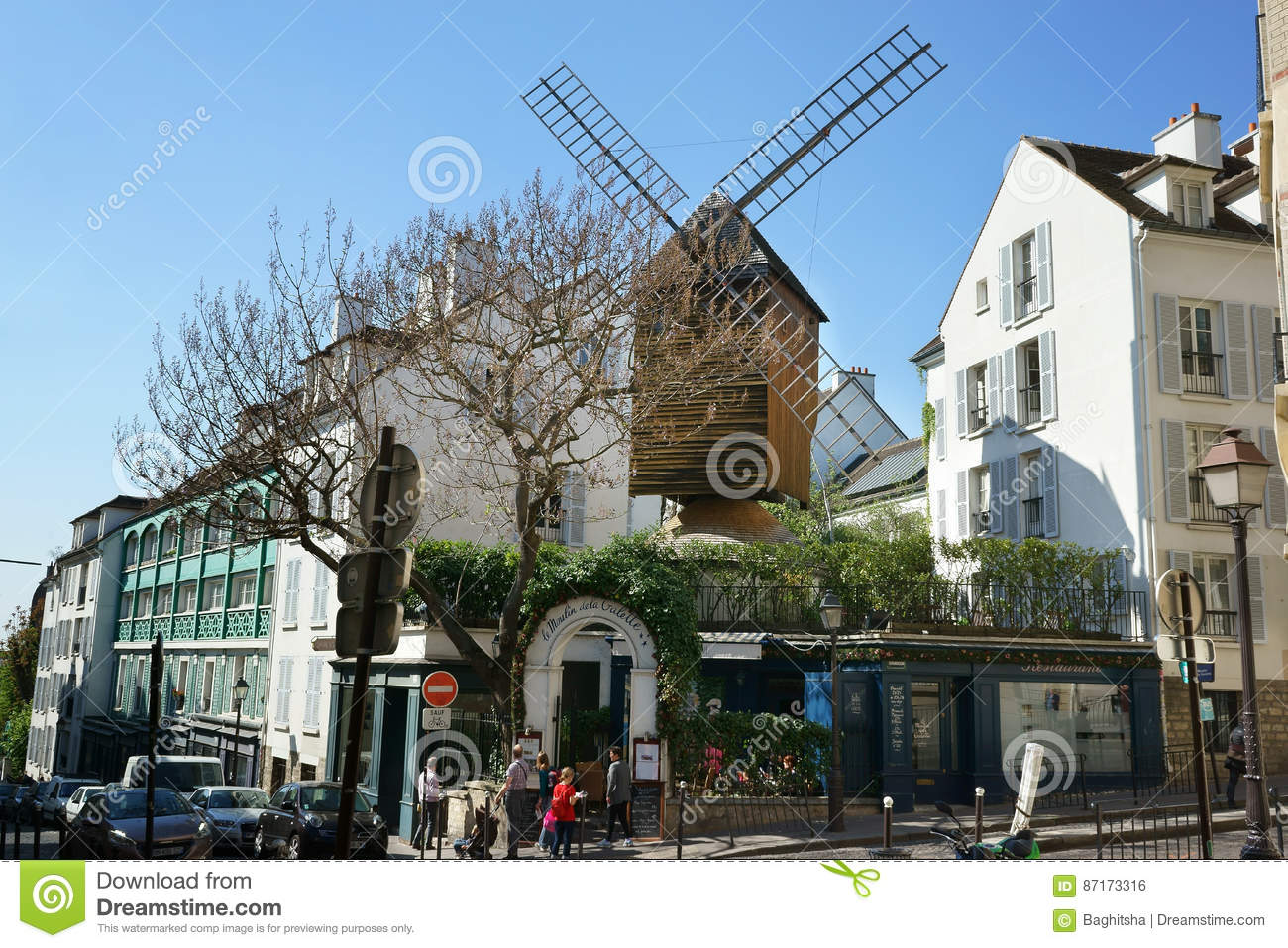Old windmill in montmartre paris france editorial photo for Le miroir restaurant montmartre