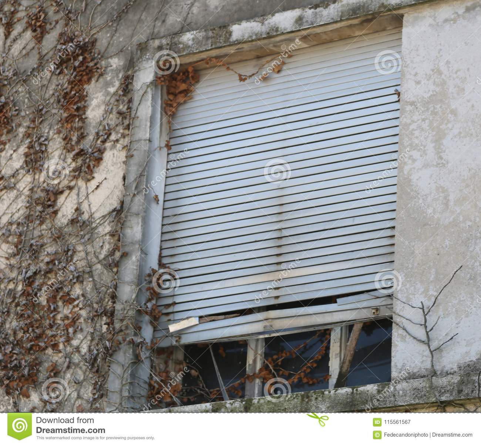 Admirable Old Windows On Broken House Stock Image Image Of Broken Download Free Architecture Designs Itiscsunscenecom
