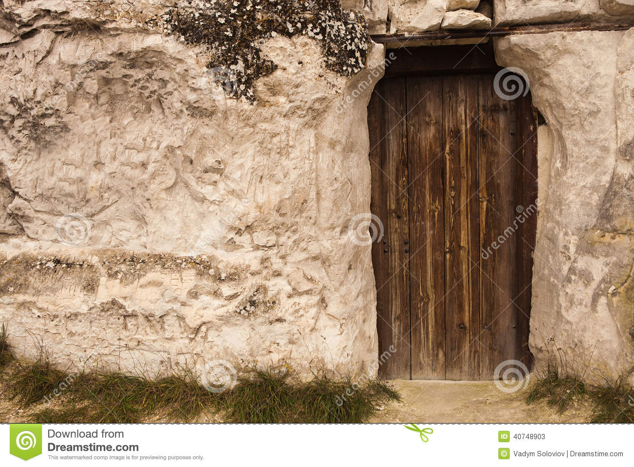 Delicieux Old Wizard Cave House Entrance Door