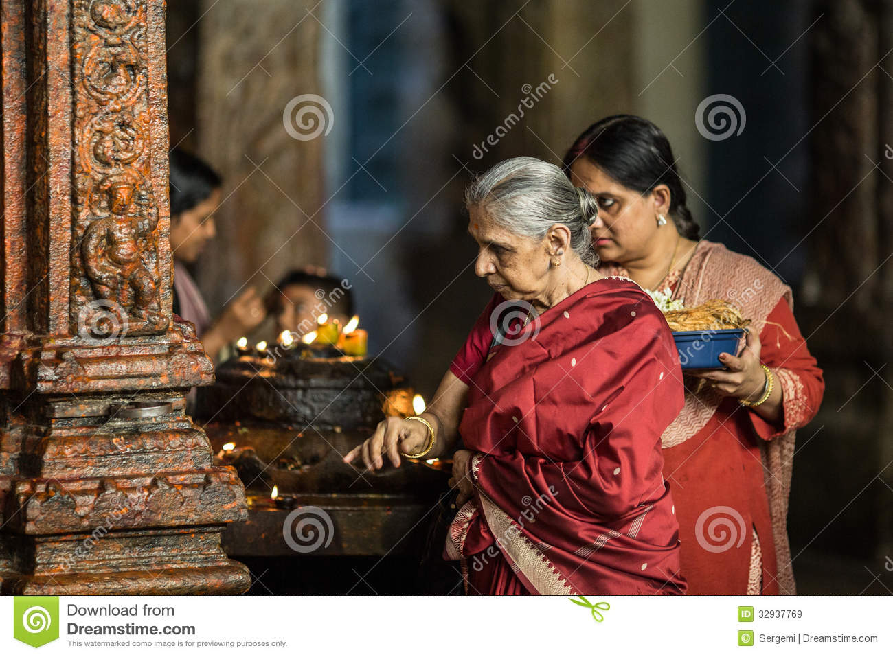 The Old Woman Is Praying In A Temple Editorial Stock Image ...