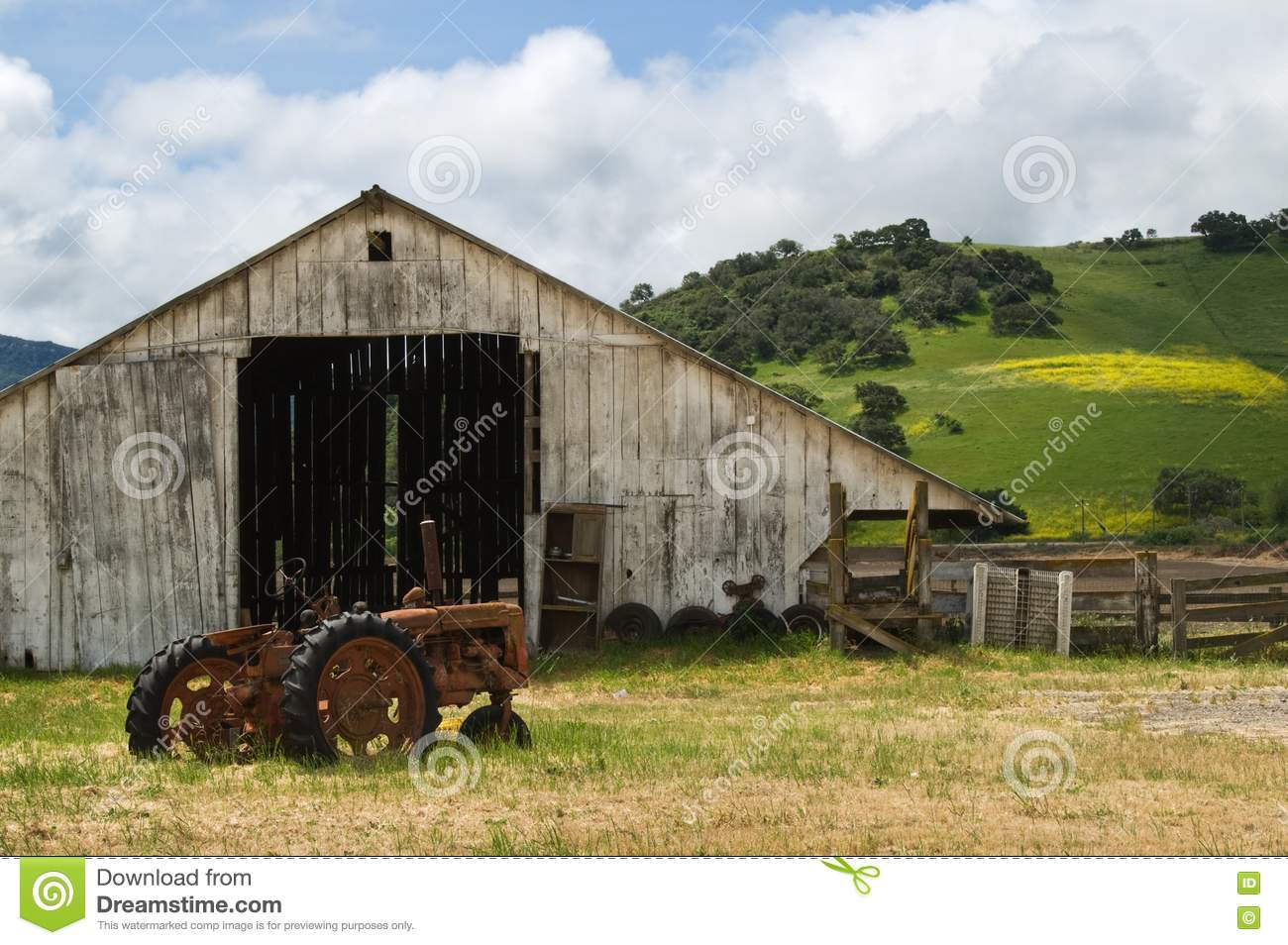Old Wooden Barn Royalty Free Stock Photo - Image: 20106855