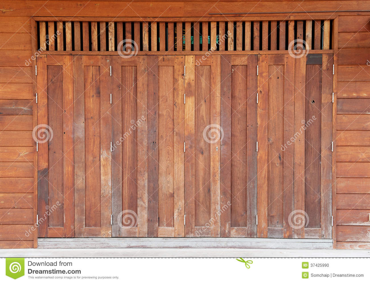 Old Wooden Barn Door Stock Photo - Image: 37425990