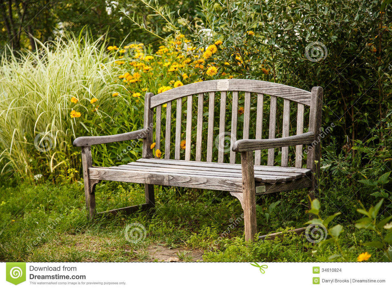 Old Wooden Bench In Garden Stock Images - Image: 34610824