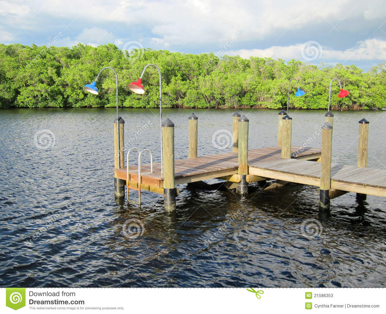 Old Wooden Boat Dock By An Inlet Stock Image - Image: 21586353