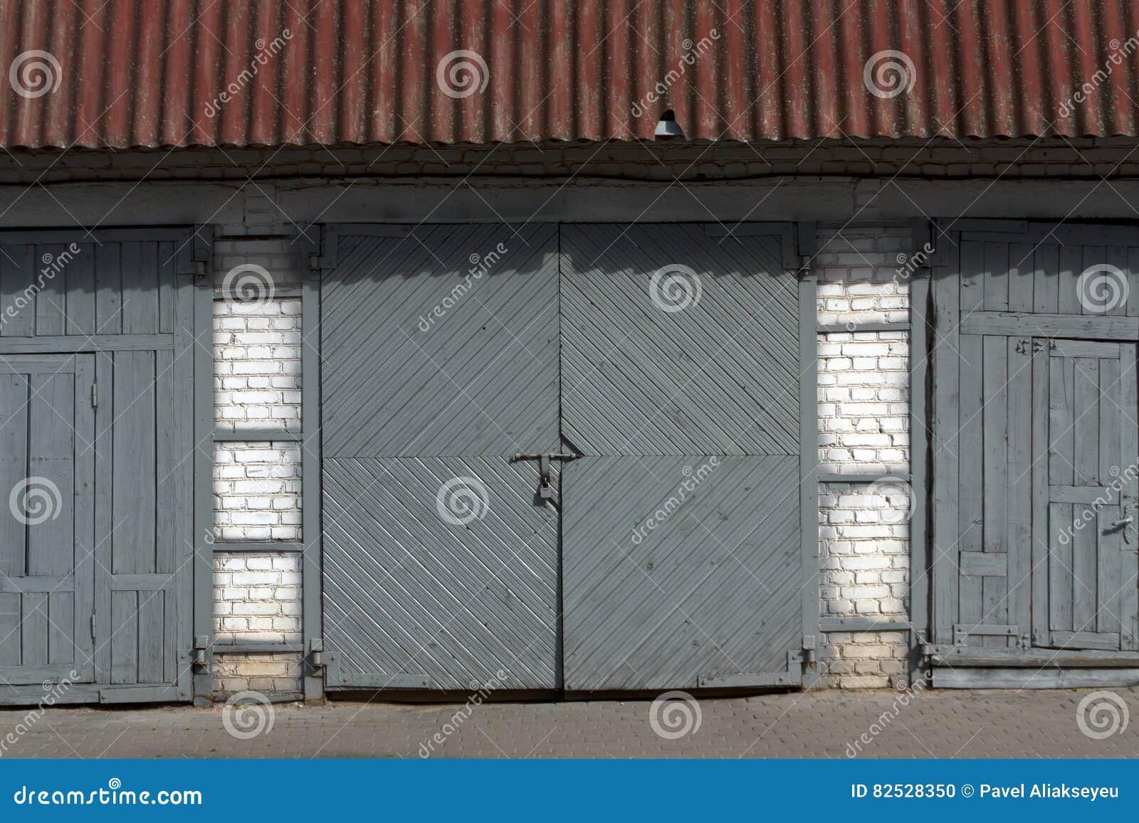 Old Wooden Closed Garage Door Stock Photo Image Of Garage Home