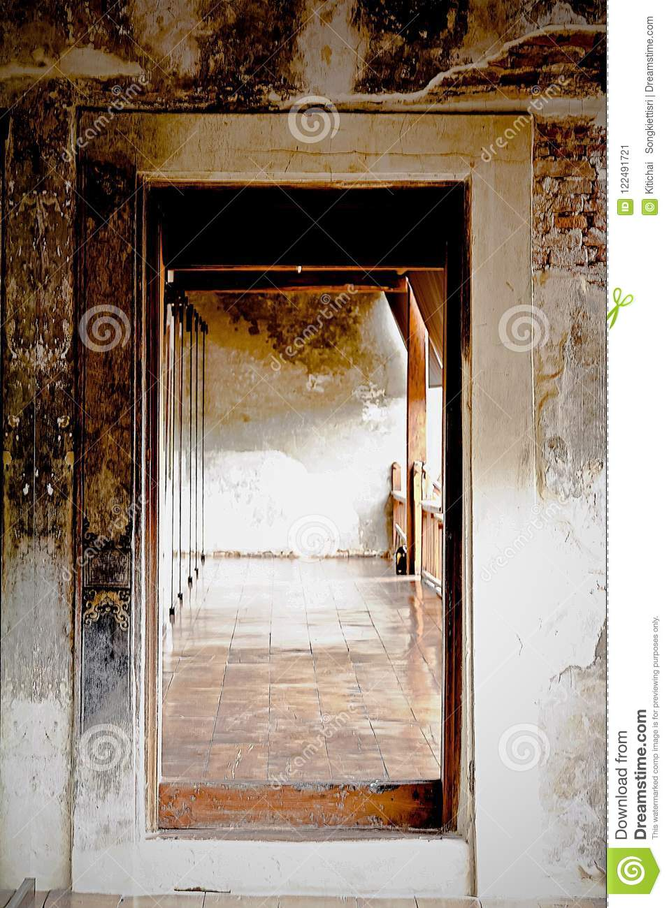 Old Wooden Door Frame In Cement Wall The House Interior Vintage Stly
