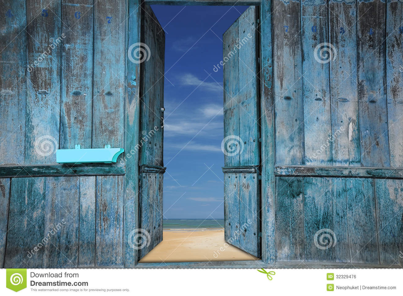 Old wooden doors royalty free stock image image 32329476 - Photos de vieilles portes en bois ...
