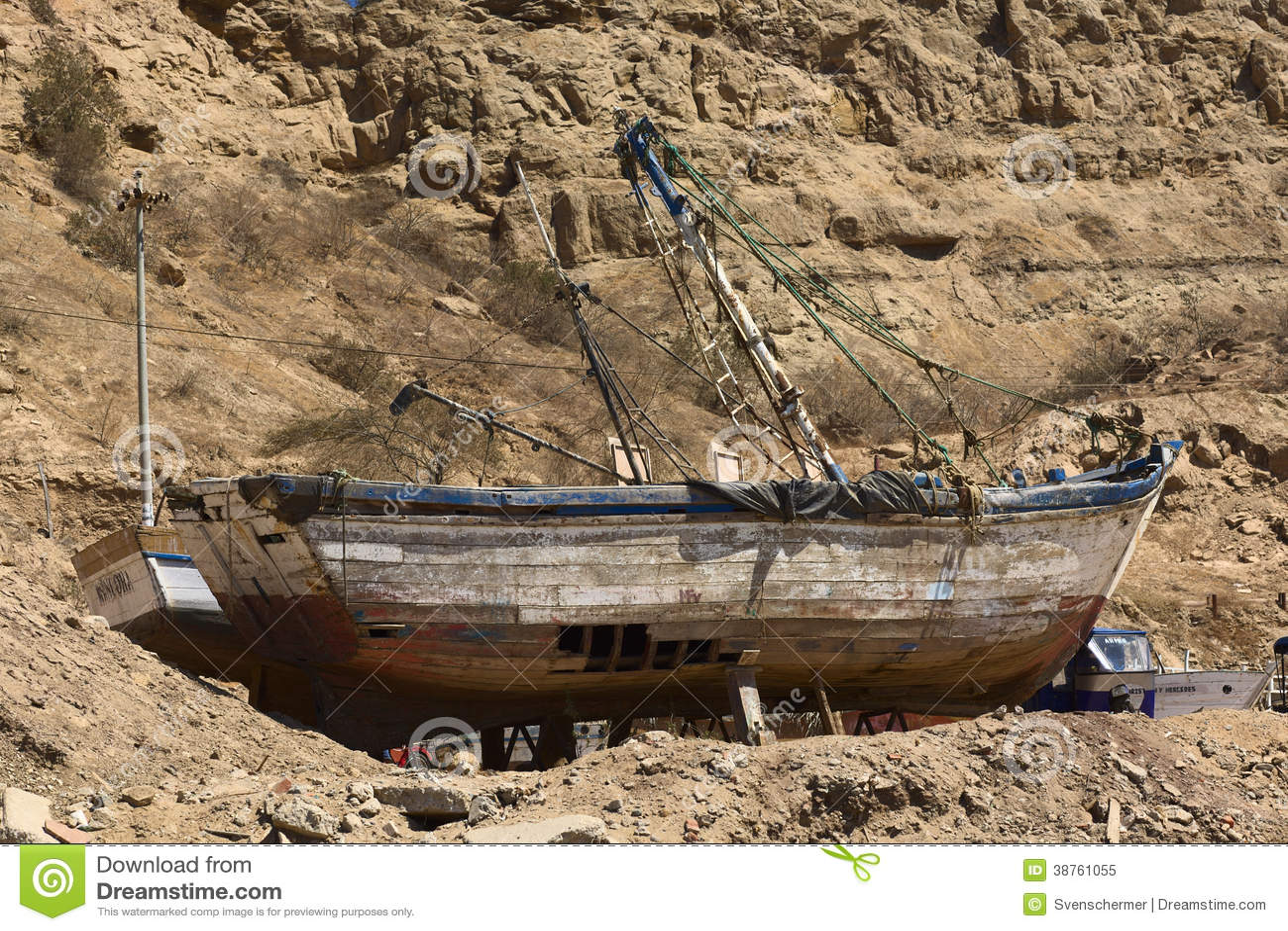 Old Wooden Fishing Boat In Mancora, Peru Editorial Image - Image: 38761055
