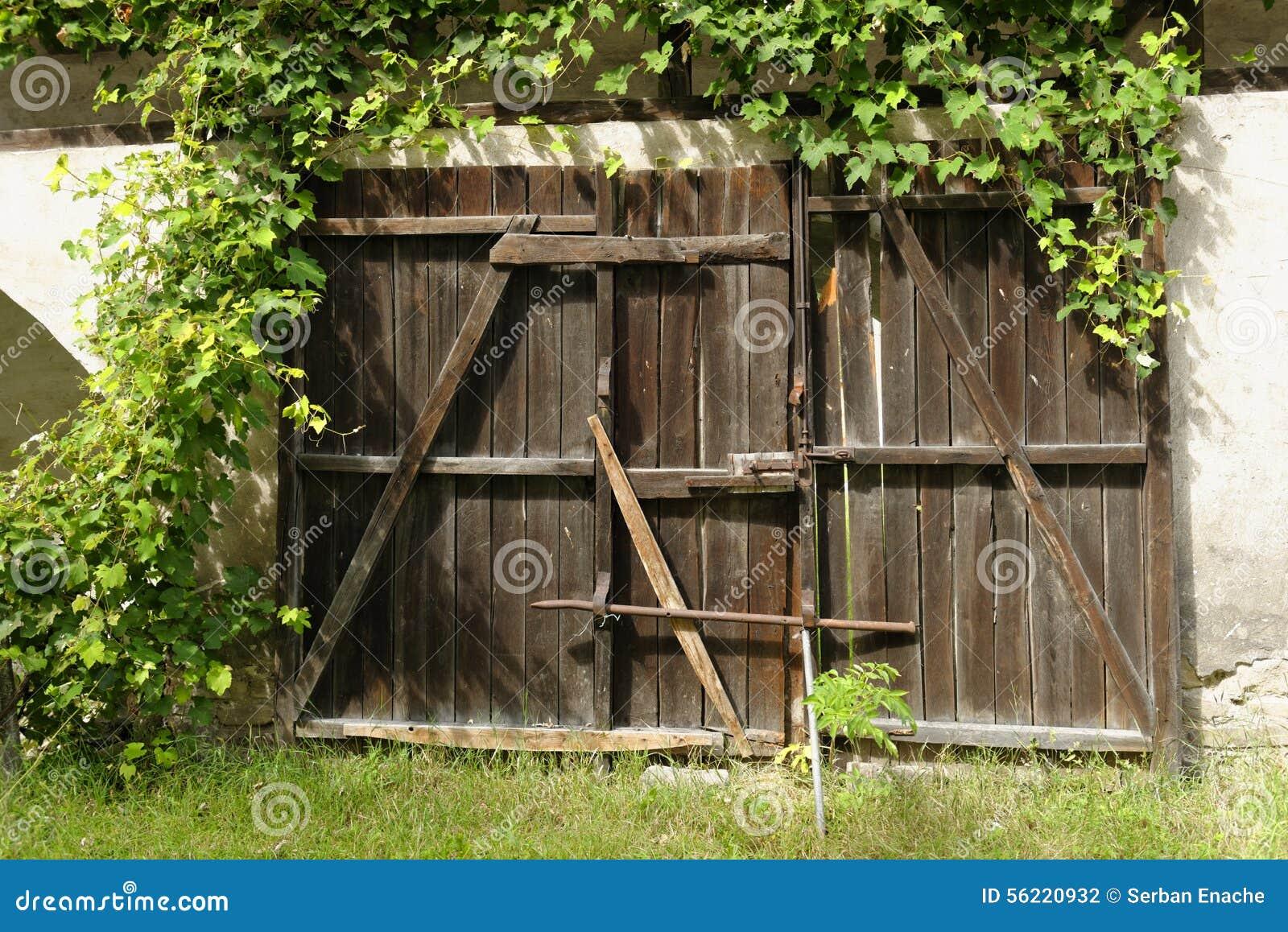 Wooden garden gates for sale - Old Wooden Garden Gate Stock Photography