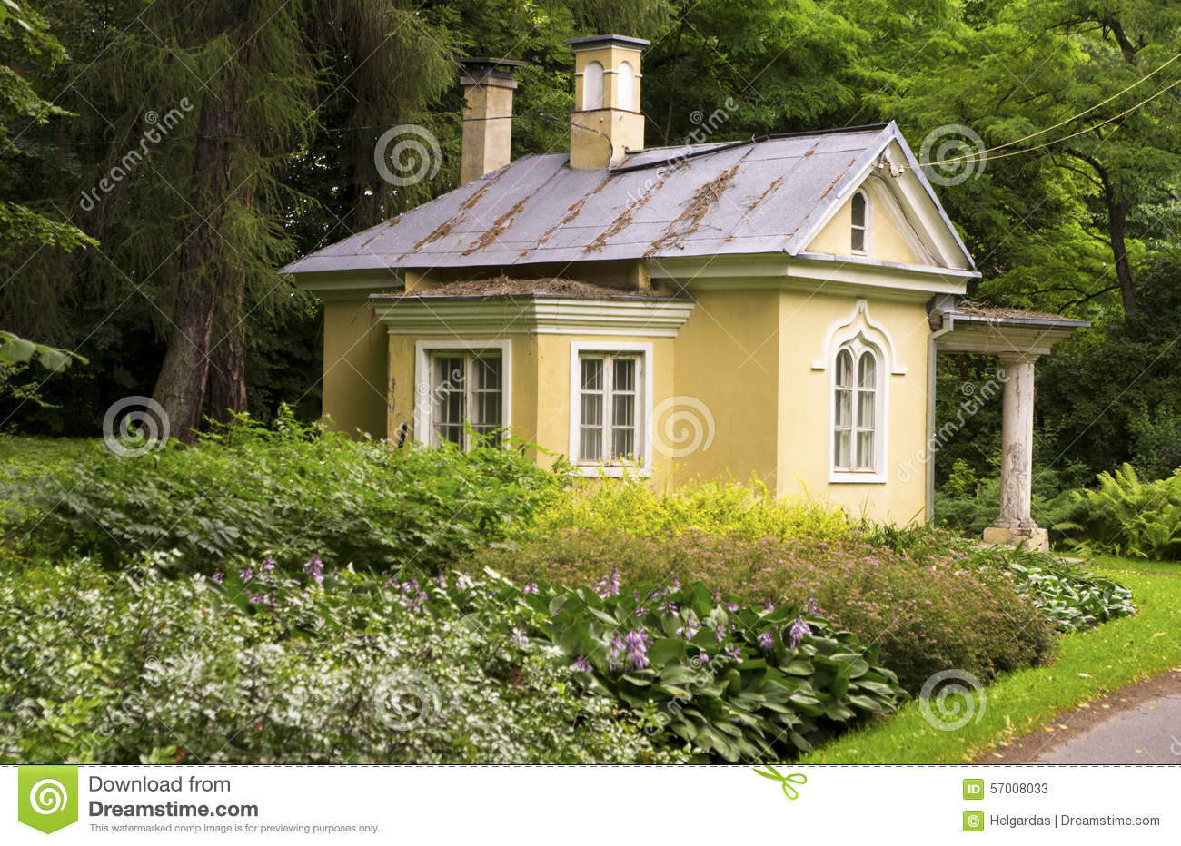 Old Yellow House Stock Photo Image 57008033